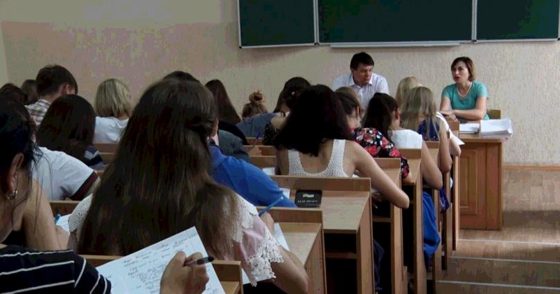 Міжнародний день студента ЖДУ ім. І. Франка святкували позитивно та життєрадісно