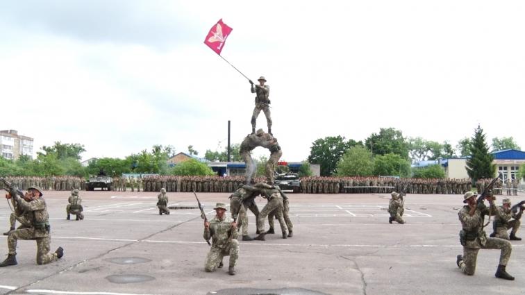 У 4-ту річницю навчального центру ДШВ склали присягу 560 бійців