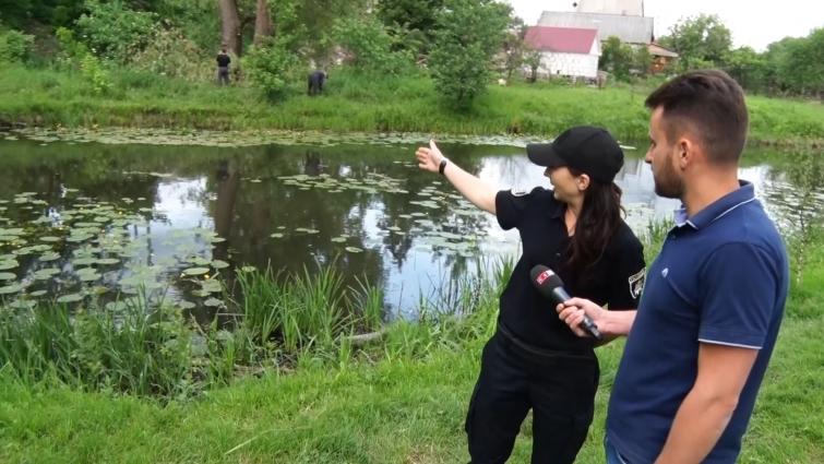 У Житомирі патрульні затримали грабіжника посеред річки