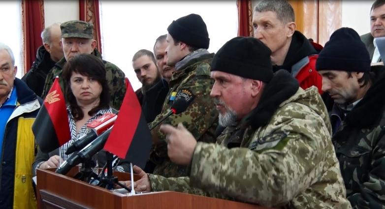 На півтори години активісти зайняли трибуну в сесійній залі Житомирської облради