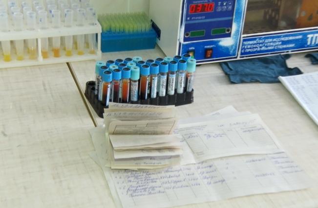 Пацієнти Централізованої клінічно-діагностичної лабораторії платять за реагенти приватним підприємцям