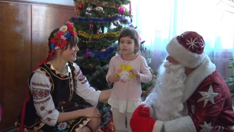 У Центральну дитячу міську лікарню в Житомирі завітали гості з подарунками
