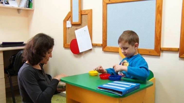 Діти з аутизмом потребують особливого навчання