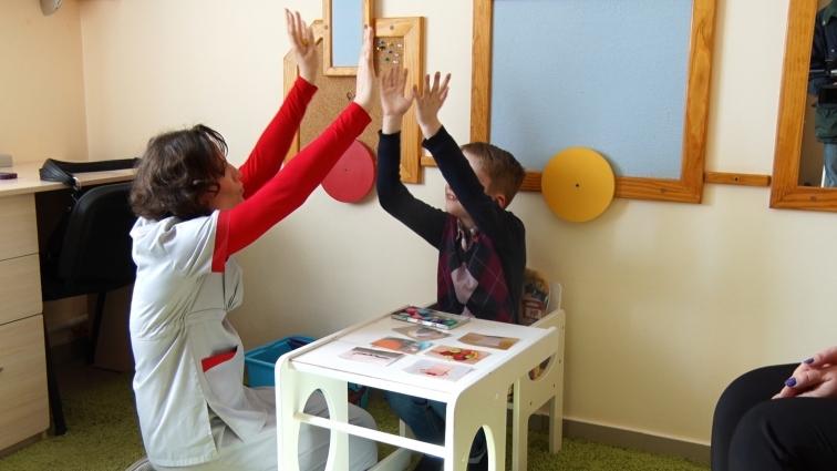 У Житомирі не вистачає фахівців із ABA терапії