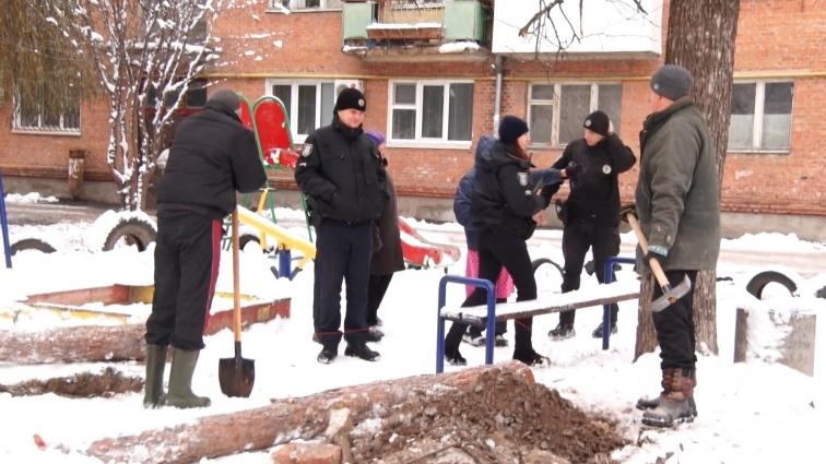 Багатоповерхівку на плавуні збирають зводити в Житомирі, – запевняють мешканці прилеглих будинків