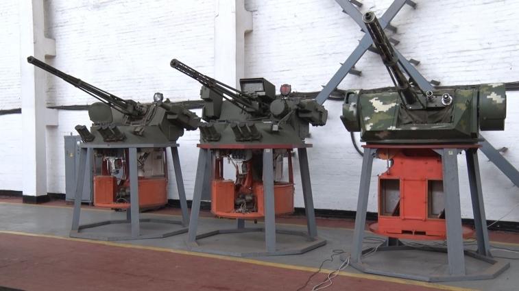 У Житомирі командування батальйону відвідало оборонне підприємство