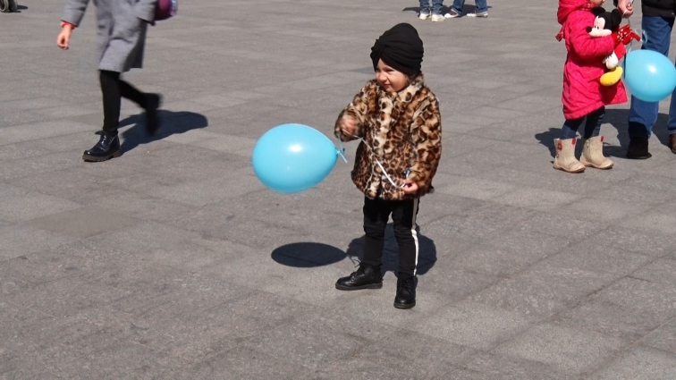 У Житомирі відбулася акція з розповсюдження інформації про аутизм