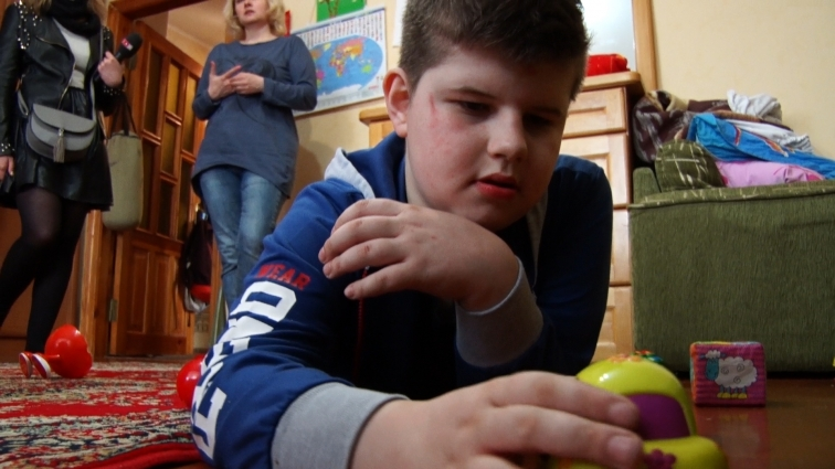 Мама хлопчика з аутизмом хоче, аби її син мав місце для розвитку та спілкування