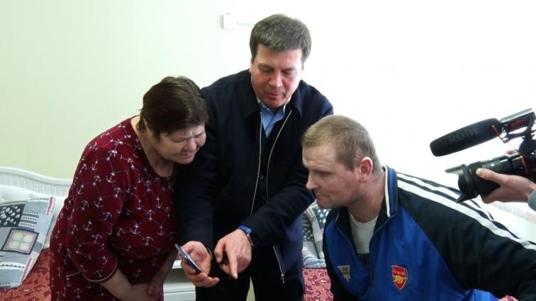 Геннадій Зубко відвідав у Центрі вертебрології учасника АТО, з яким познайомився на Сході