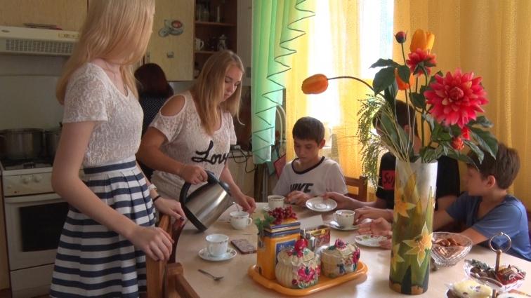 В одному з будинків сімейного типу Житомира виховують вже не перше покоління дітей