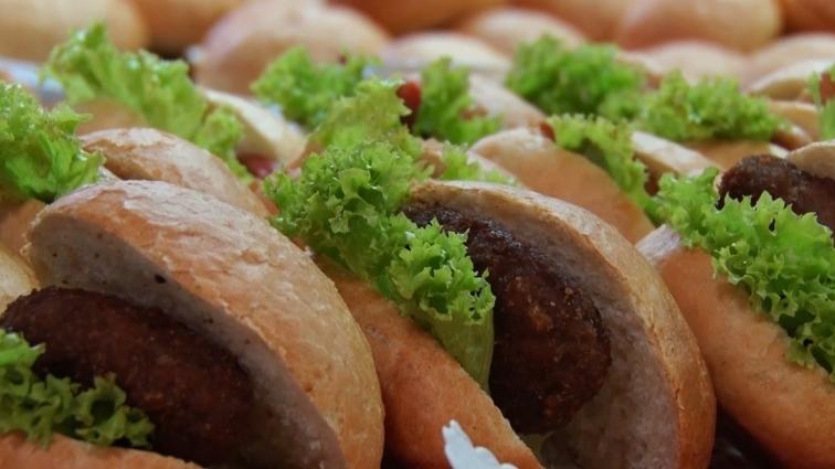 Школярів початкової школи годуватимуть новими стравами