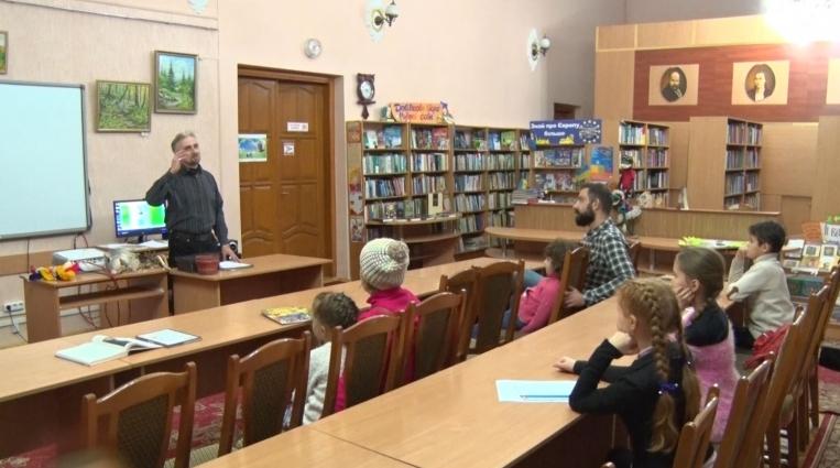 Житомирянин презентує  театр маріонеток на Всеукраїнському фестивалі