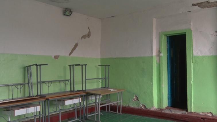 У Житомирській ЗОШ №32 вже понад рік закритий спортзал