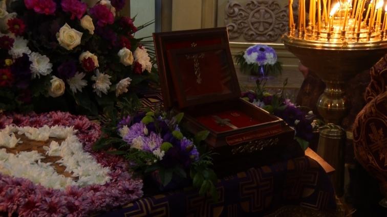 У Свято-Хрестовоздвиженський собор у Житомирі прибула Частка Животворящого Древа Господнього