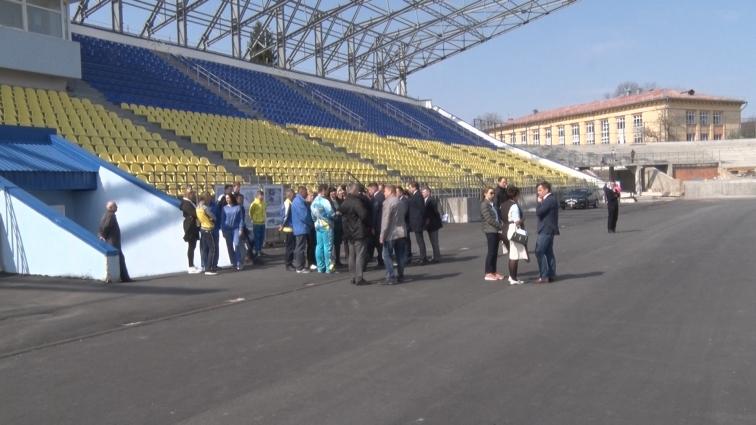 Стан ремонтних робіт на житомирських стадіонах «Полісся» та «Спартак» оглянув Геннадій Зубко