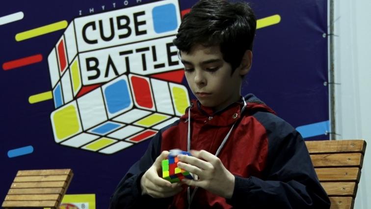 Якнайшвидше зібрати кубик Рубіка