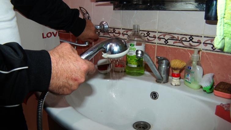 Мешканці одного з будинків на Польському бульварі вже рік не можуть повноцінно користуватись водою
