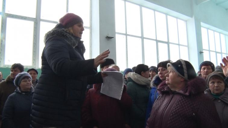 У Оліївській ОТГ відбулись громадські слухання на підтримку відкликаного депутатами голови ОТГ