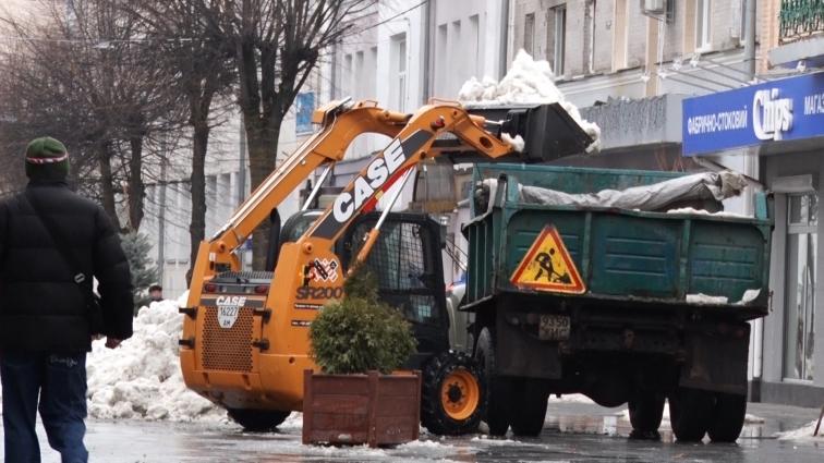 Вантажівки не ламали плитку на Михайлівській