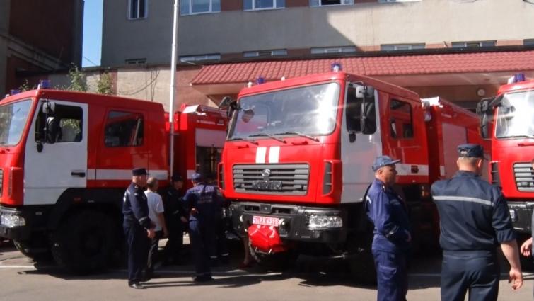 Пожежно-рятувальним підрозділам Житомирської області вручили 6 нових автомобілів