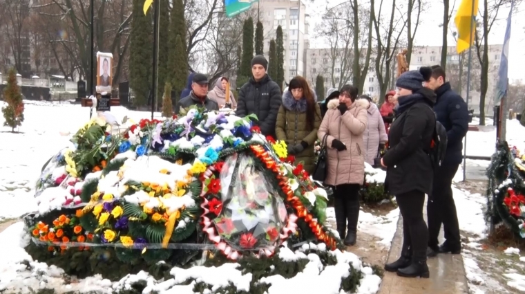 У Житомирі вшанували загиблих воїнів мітингом-реквіємом
