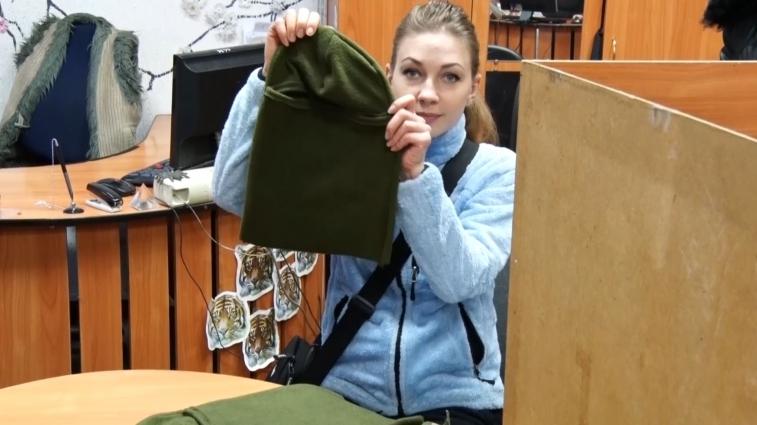 Житомирські волонтери шиють балаклави, бафи, шапки для українських військових