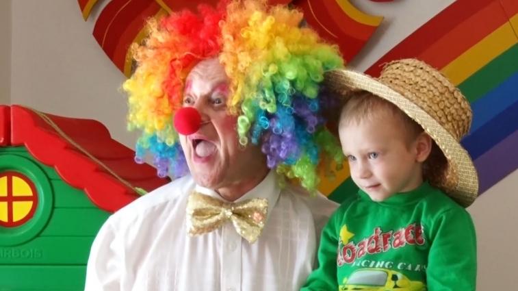 Циркову виставу привезли благодійники для малечі Будинку дитини