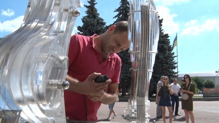 Пам'ятник «Герої не вмирають» реставрує київська фірма