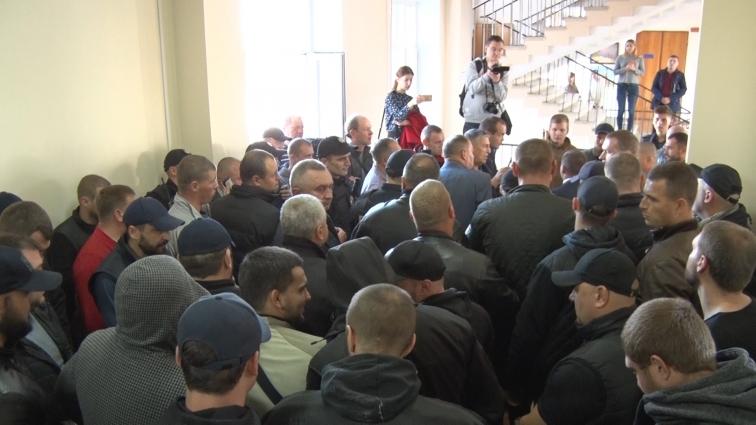 Активісти штурмом намагалися увірватися на депутатську комісію