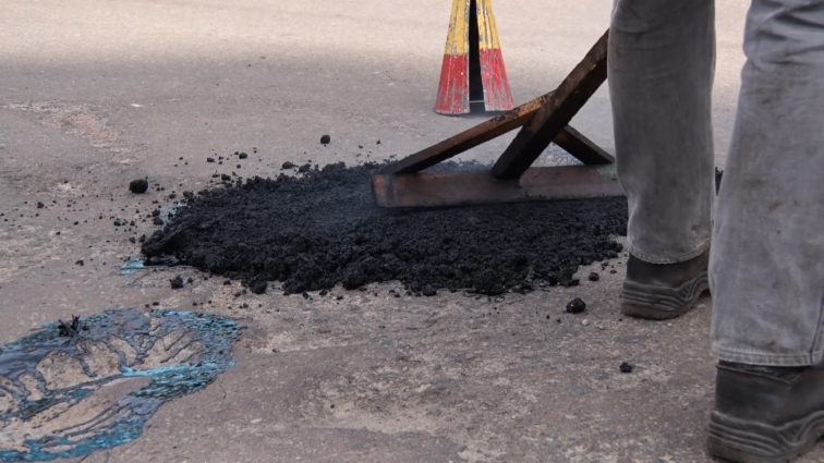 Депутати облради вимагають якісного ремонту доріг