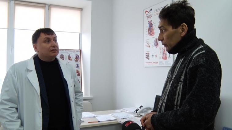 Житомирські лікарі борються за життя АТОвця