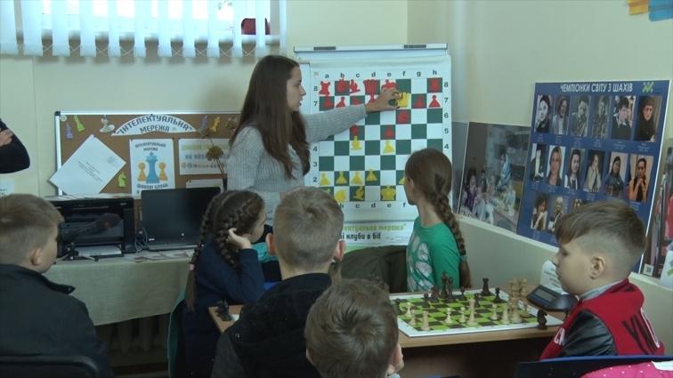 У житомирських бібліотеках діють шахові клуби