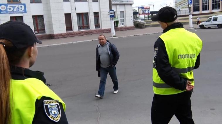 У рамках «Тижня безпечного руху» патрульні поліцейські провели інформаційну акцію серед пішоходів