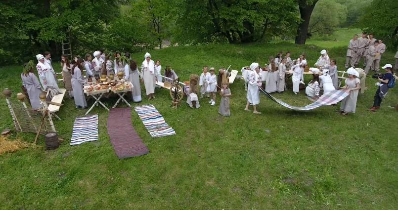 До дня міста олевчани відтворили побут своїх предків на Бабиній горі