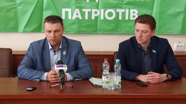 Нардеп В.Купрій пообіцяв житомирянам у суді оскаржувати завищену ціну проїзду в маршрутках