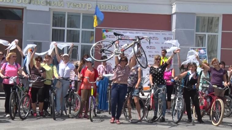 Велопарад для дівчат відбувся в  Житомирі в день молоді