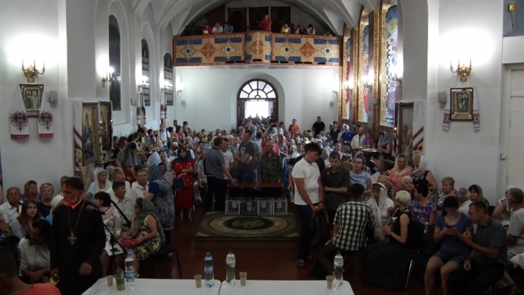 Зміну дійсного статуту громади Свято-Михайлівського собору обговорювали вірячи на спільних зборах