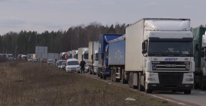 На Житомирщині копачі бурштину на 12 годин перекрили трасу міжнародного  значення Київ-Ковель