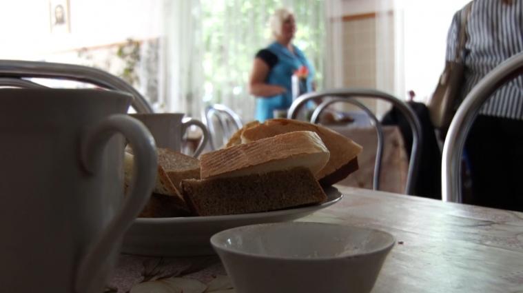 Люди, які потребують матеріальної допомоги, можуть безкоштовно харчуватись у кафе