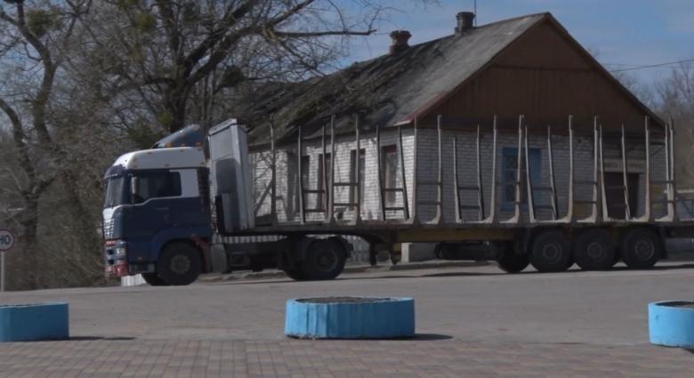 У Левкові місцеві протестували проти руху вантажівок селом