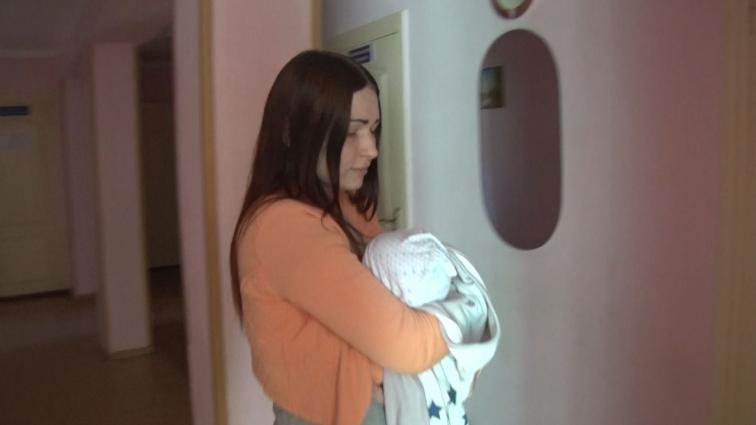 У Житомирі породілля з дитиною шукає прихистку