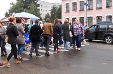 Медичні працівники у Житомирі знову перекрили дорогу