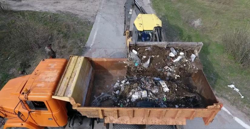 На Житомирщині до Великодня в рамках акції «Чисте узбіччя» прибиратимуть дорожні узбіччя