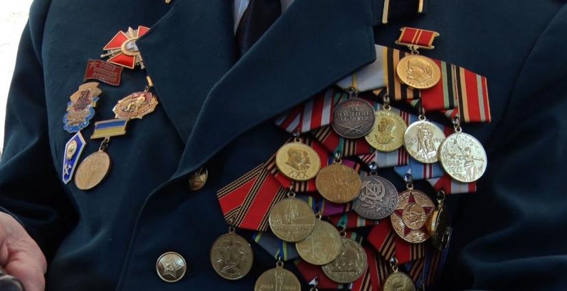 Учні ліцею №25 привітали ветеранів Другої світової війни, воїнів-інтернаціоналістів та героїв АТО