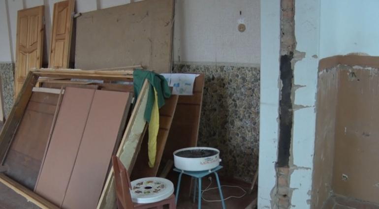 У Романівській гімназії навчальний рік зустріли з ремонтами