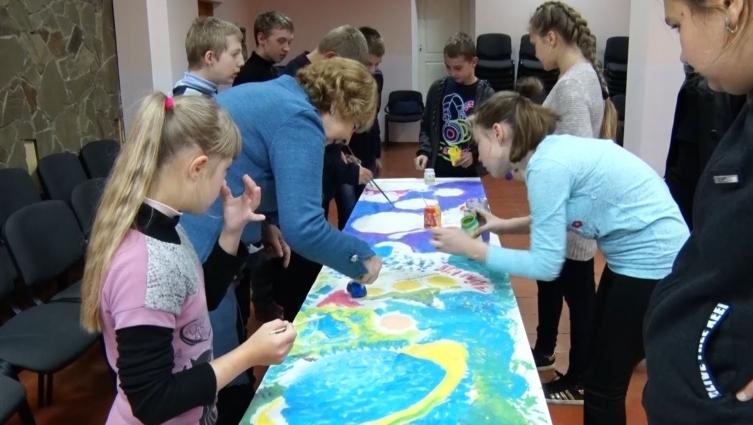 Творчість об'єднала художників та особливих дітей