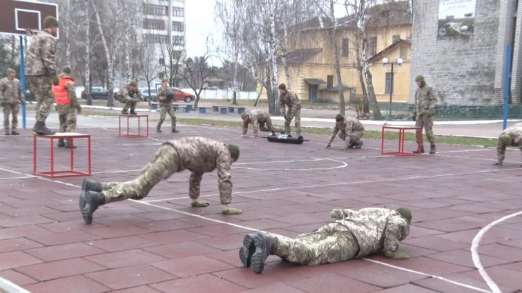 199 навчальний центр ДШВ показав, як готують десантників