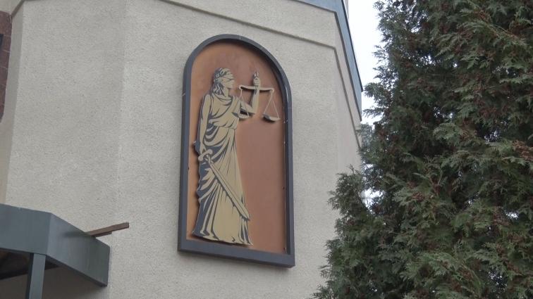 Історія судовий слухань у справах Яцишина та Лісанова