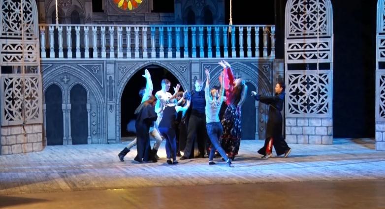 Актори Хмельницького драмтеатру показали у Житомирі експериментальну балетну постановку «Есмеральда»