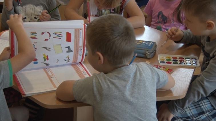 У ДНЗ №10 діти займаються та грають у легкому одязі